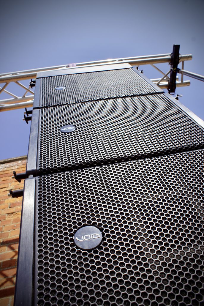 Line array picture